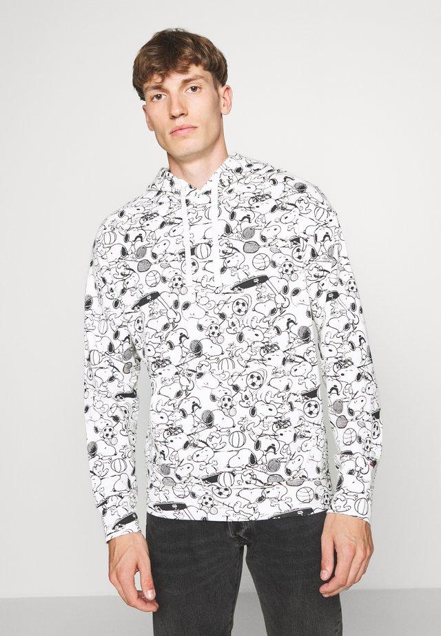 T3 RELAXD GRAPHIC HOODIE - Bluza z kapturem - white