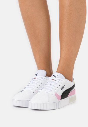 CALI STAR INTL GAME  - Sneakers laag - white/black/lilac sashet