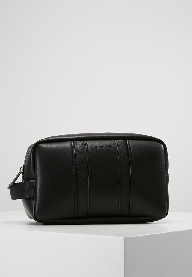 ESSENTIAL WASHBAG - Trousse de toilette - black