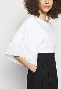 See by Chloé - Jednoduché triko - white - 5