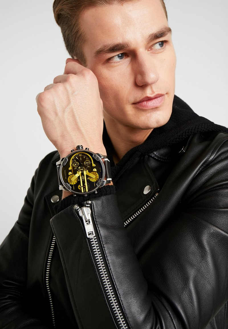 Diesel - MR. DADDY 2.0 - Chronograph watch - black/grey/yellow