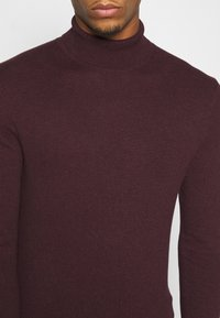 Burton Menswear London - FINE GAUGE ROLL  - Jumper - burgundy - 5