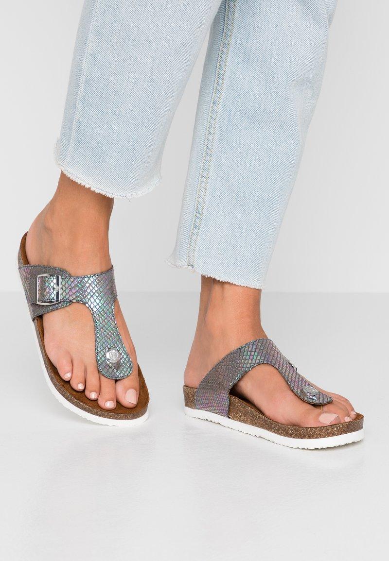 ONLY SHOES - MATHILDA TOE SPLIT SNAKE  - Sandaler m/ tåsplit - grey