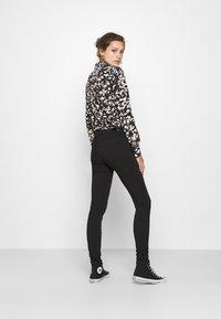 ONLY - ONLFOREVER LIFE - Jeans Skinny Fit - black denim - 2