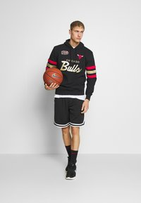 Mitchell & Ness - NBA CHICAGO BULLS CHAMPIONSHIP GAME - Club wear - black - 1