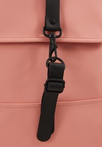 Rains - BACKPACK MINI - Rugzak - coral - 2