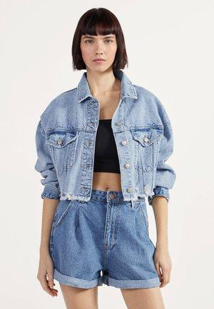 MOM - Shorts di jeans - blue denim