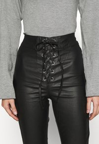 Missguided - COATED CORSET DETAIL - Kalhoty - black - 4