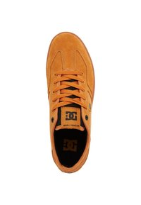 DC Shoes - Trainers - wheat - 1