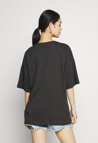 Even&Odd - T-shirt med print - anthracite - 2