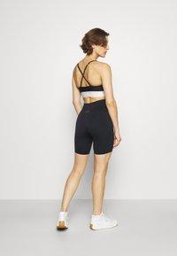 Ellesse - VIRTUA SHORT - Leggings - black - 2