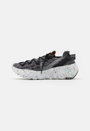 SPACE HIPPIE  - Sneakersy niskie - iron grey/photon dust/black/hyper crimson