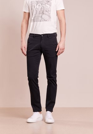 SCHINO-SLIM - Chinos - black