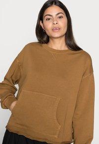 Marc O'Polo DENIM - Sweatshirt - brown ochre - 3