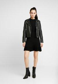 Forever New - LONG SLEEVE RIBBED DRESS - Jumper dress - black - 2