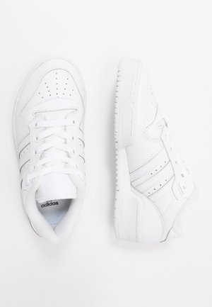 RIVALRY - Sneakersy niskie - footwear white/core black