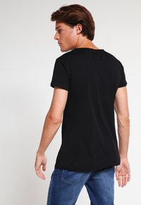 Tigha - WREN - Basic T-shirt - black - 2