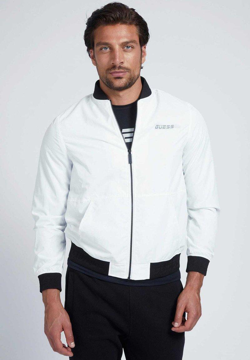 Guess - Light jacket - weiß