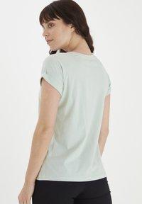 Fransa - MIT FLORALEM PRINT - Print T-shirt - aqua foam - 2