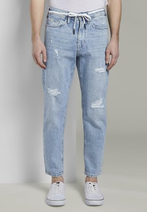 TOM TAILOR DENIM JEANSHOSEN LOOSE FIT JEANS IM 90ER-LOOK - Jean droit - tinted blue denim