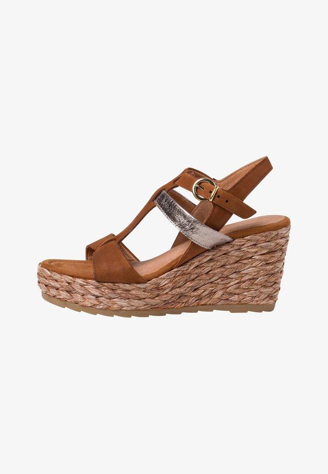 Sandales à talons hauts - cognac comb