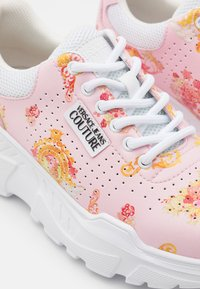 Versace Jeans Couture - Trainers - rose - 6