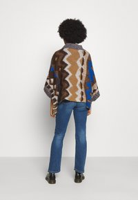 Free People - TRAIL PONCHO - Kapper - timber combo - 2