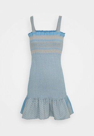 JUDITH - Pletené šaty - blue