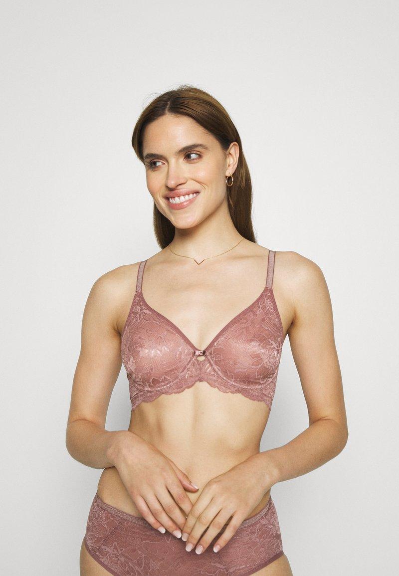 Triumph - AMOURETTE CHARM - Underwired bra - rose brown