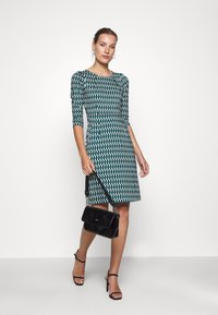 King Louie - MONA DRESS - Jersey dress - peridot green - 1