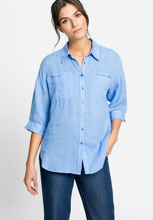 KLASSISCHE BLUSE MIT BRUSTTASCHEN - Button-down blouse - blau