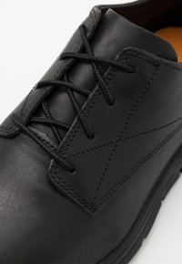 Timberland - BRADSTREET OXFORD - Casual lace-ups - black - 5