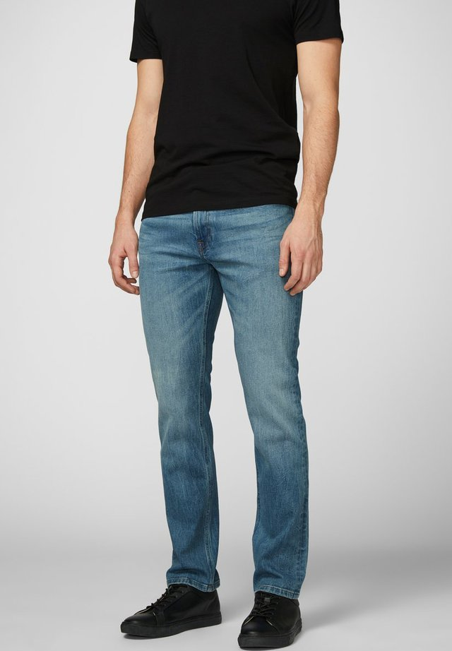 Vaqueros slim fit - light blue denim