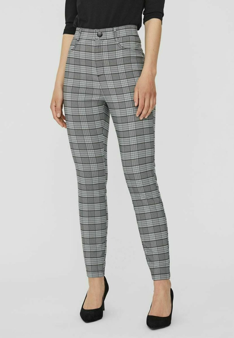 Vero Moda - KARO - Trousers - black