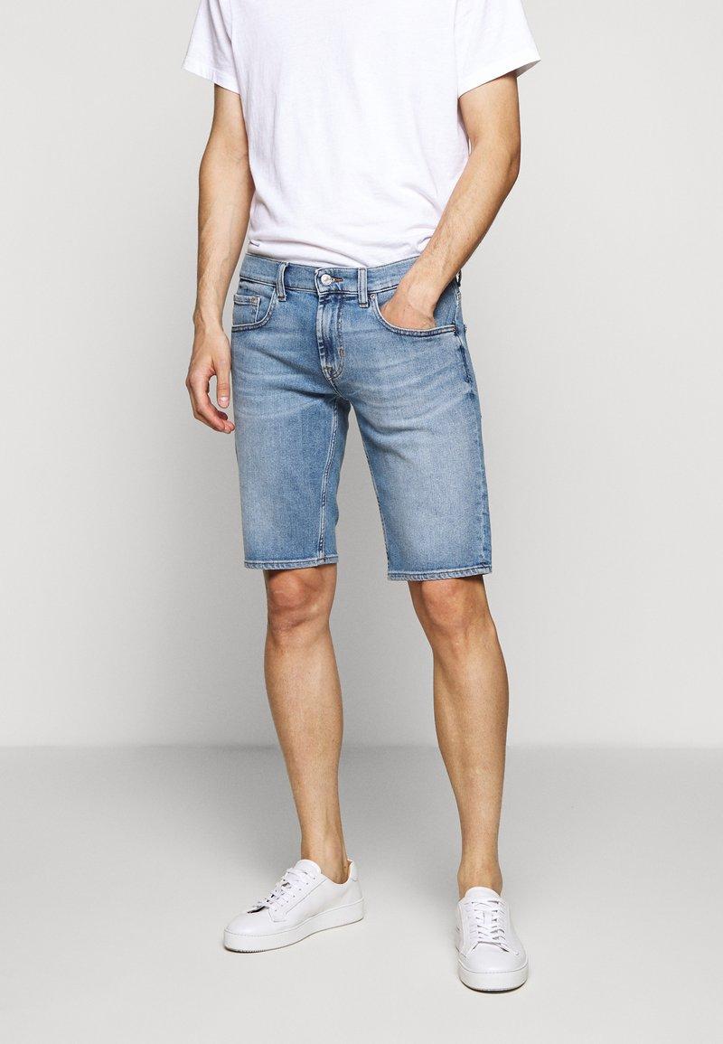 7 for all mankind - REGULAR HEMET - Denim shorts - light blue