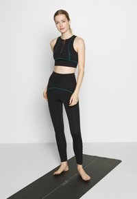 South Beach - ZIP CROP - Top - black - 1