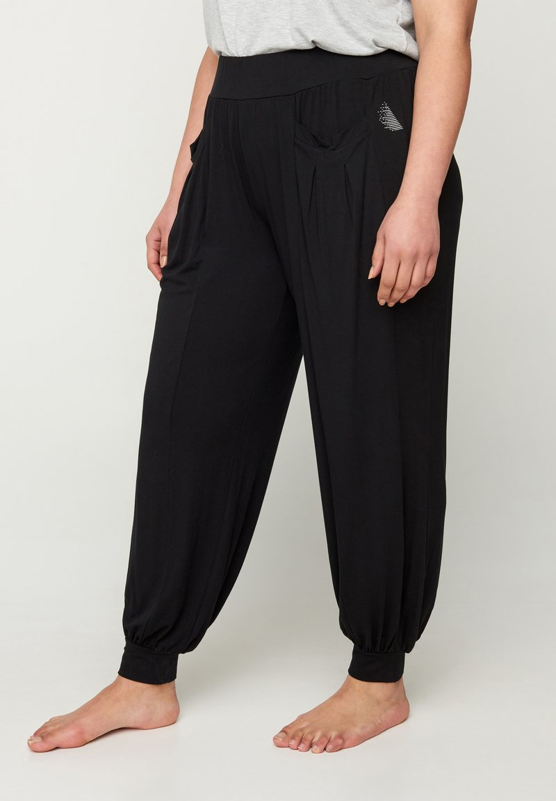 Active by Zizzi - WITH POCKETS - Tracksuit bottoms - black