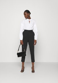Soft Rebels - LUCCA ANKLE PANT - Trousers - black - 1