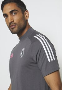 adidas Performance - REAL MADRID FOOTBALL SHORT SLEEVE  - Club wear - grefiv - 4