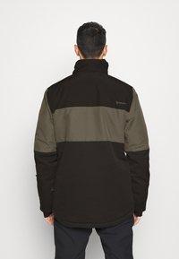 Brunotti - DAKOTO MENS SNOWJACKET - Snowboardová bunda - pine grey - 3