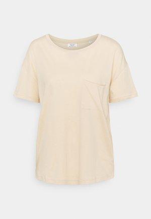 SHORT SLEEVE PATCHED POCKET LOOSE BODYSHAPE - Basic T-shirt - island beach