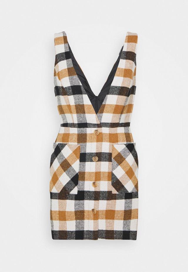 BRUSHED PINNY - Korte jurk - brown
