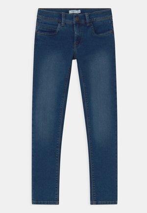 NKMSILAS - Džíny Slim Fit - medium blue denim
