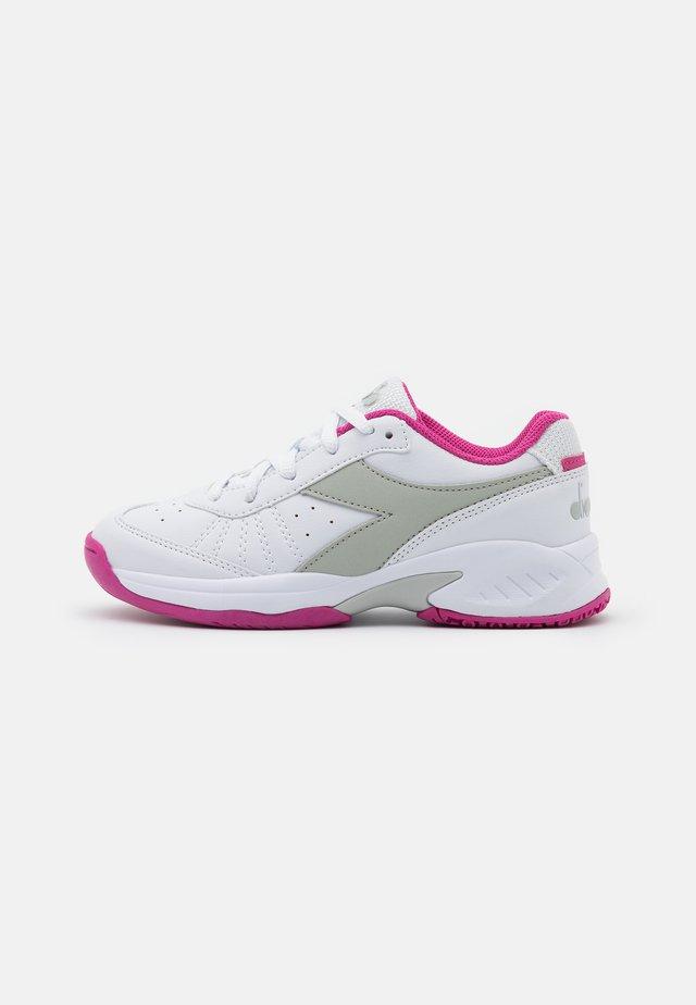 S. CHALLENGE 3 JR UNISEX - Multicourt Tennisschuh - white/rose