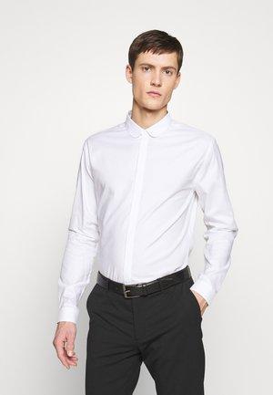 CHEMISE - Zakelijk overhemd - white