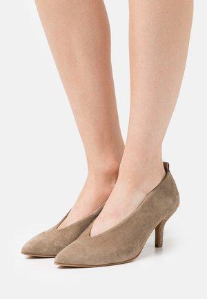 KIM - Classic heels - taupe