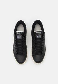 Reebok Classic - AD COURT UNISEX - Matalavartiset tennarit - core black/aqua dust/footwear white - 3