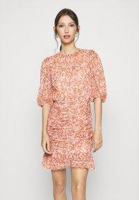 Forever New - KYLIE RUCHED MINI DRESS - Kjole - orange - 0