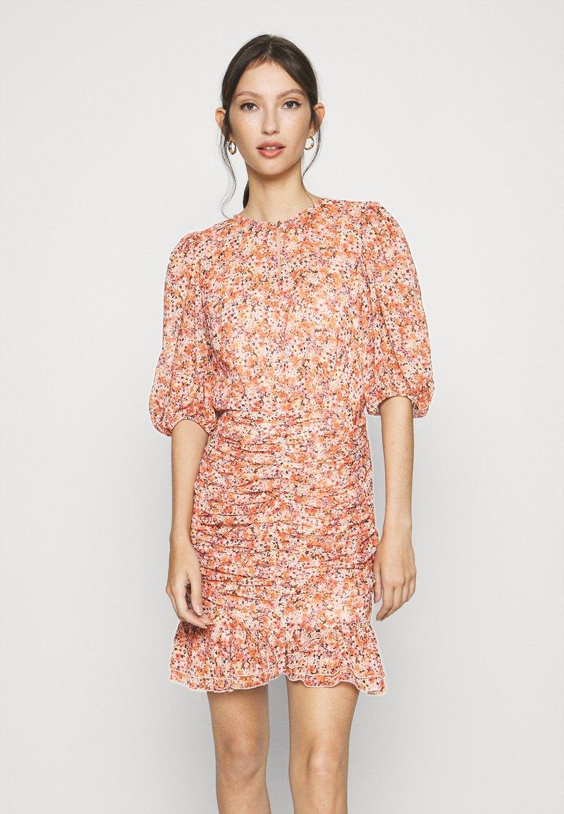 Forever New - KYLIE RUCHED MINI DRESS - Kjole - orange