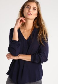Kaffe - AMBER BLOUSE - Tunic - midnight marine - 0